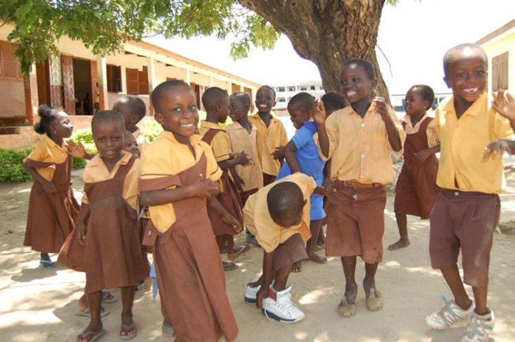 Ghana-smiling-children-in-uniform